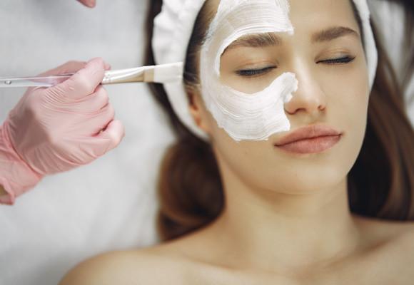 4 pasos esenciales para tu rutina de limpieza facial