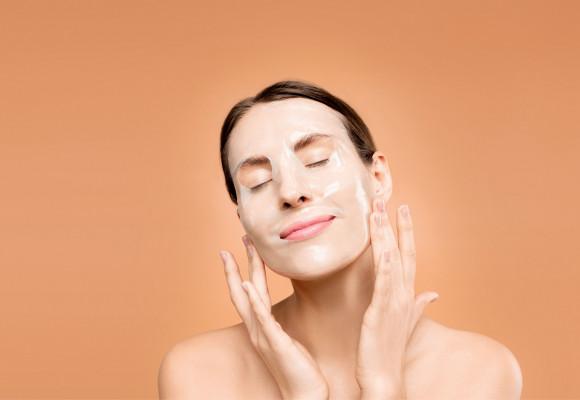 Limpieza facial profunda: Qué es, cuándo hacerla y cómo.